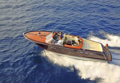 Die Ipanema von Graf Bootsbau ist ein perfektes Runabout aus Vollholz.