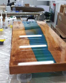 Rivertable: Tischplatte der besonderen Art