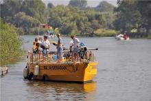 """Das Forschungsschiff """"Aldebaran"""" war fast einen Monat auf der Elbe unterwegs und informierte über Plastikmüll im Fluss."""