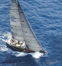 """Die Swan 441 """"Best Buddies"""", Baujahr 1979, von Kay Johannes Wrede und seiner Frau Susann wurde mit neuem Rigg und modernen Segel konkurrenzfähig für Regatten gemacht."""