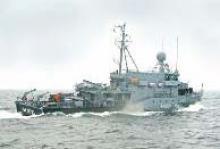 Ein Minensuchboot der Deutschen Bundesmarine auf einer Übungsfahrt.