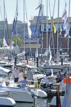 Bei schönem Wetter bietet die ancora in Neustadt an der Ostsee für die Besucher der hanseboot ancora boat show eine eindrucksvolle Kulisse.