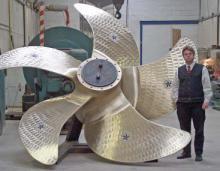 Ein besonders großer Propeller präsentiert von Mathias Pein