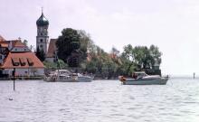 Elektrische Antriebe passen für den idyllischen und naturnahen Bodensee.