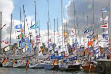 So voll wie viele Häfen in diesem Jahr waren, kannte man das in der Vergangenheit nur bei großen Regatten, wie zum Beispiel hier bei der Schifffahrtsregatta im Hafen von Ärösköbing auf der dänischen Insel Ärö.